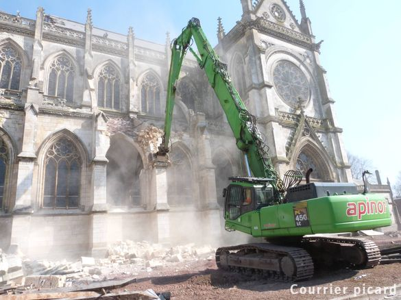 Destruction of Saint-Jacques' church, Abbeville, France in April 2013, a mid 19th century gothic revival church. ©Le Courrier Picard